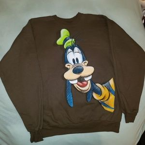 Disneyland resort men's medium Goofy crew neck